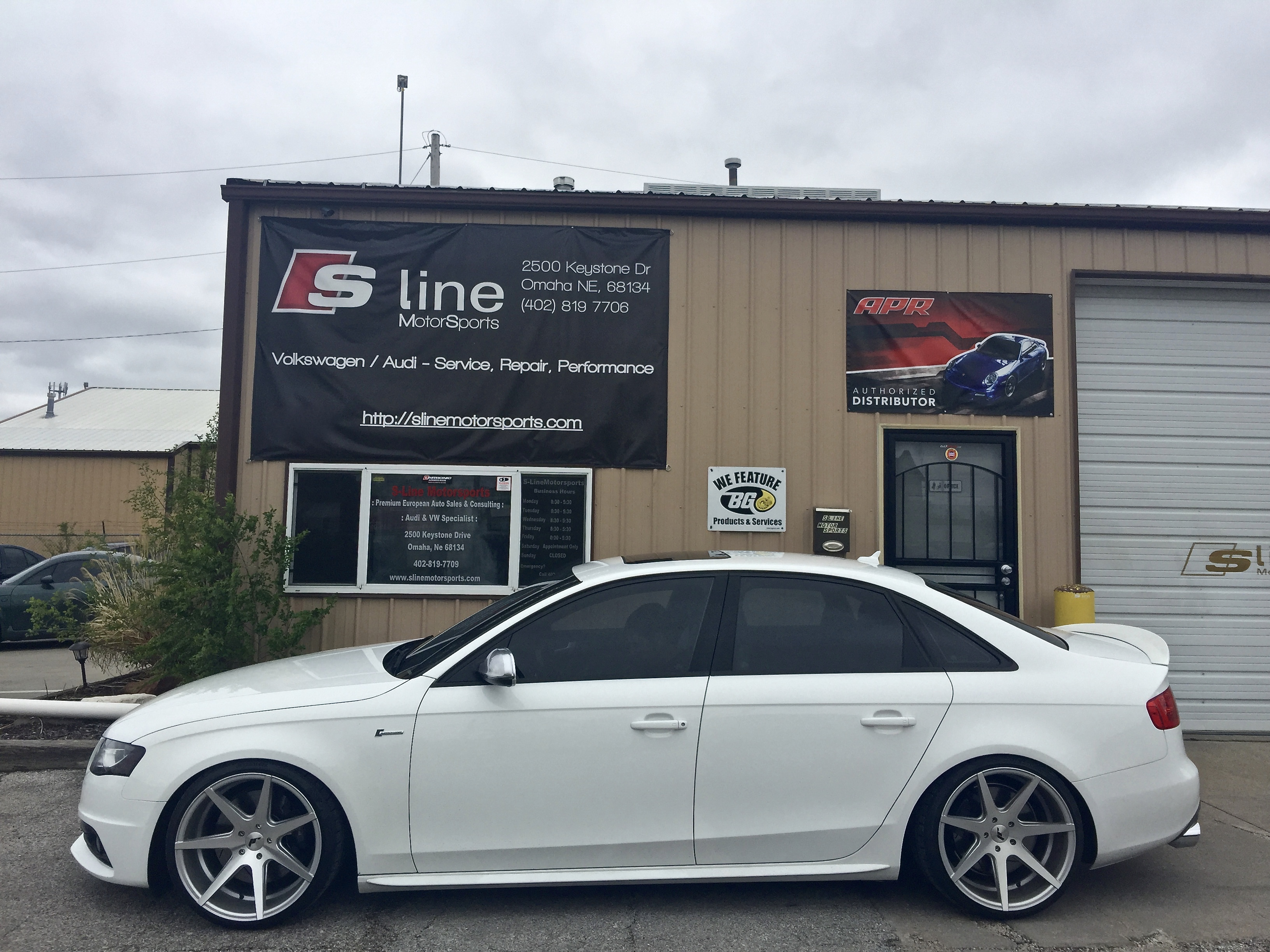 B8 S4 3 0T Quattro - AWE Track Cat-Back w/ Non-Res Downpipes